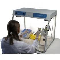 Cappa per PCR con lampade UV, lampada bianca, timer digitale e ricircolatore aria battericida