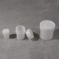 Contenitore con tappo a pressione da 1ml