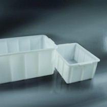 containers stackable dim. 695x438x306 mm by 72 litres